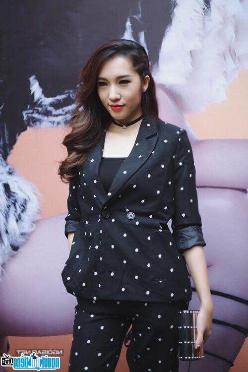 Một bức ảnh mới về Emily Nguyễn- Hot girl nổi tiếng Hà Nội- Việt Nam