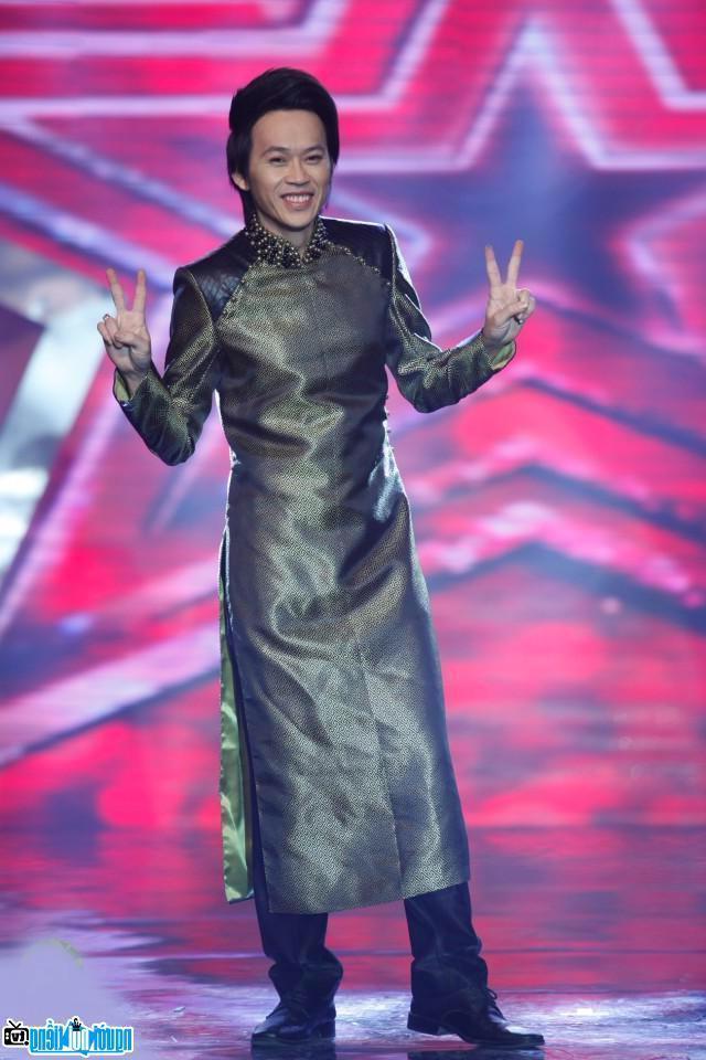 Một bức ảnh mới về Hoài Linh- Nghệ sĩ hài nổi tiếng Khánh Hòa- Việt Nam