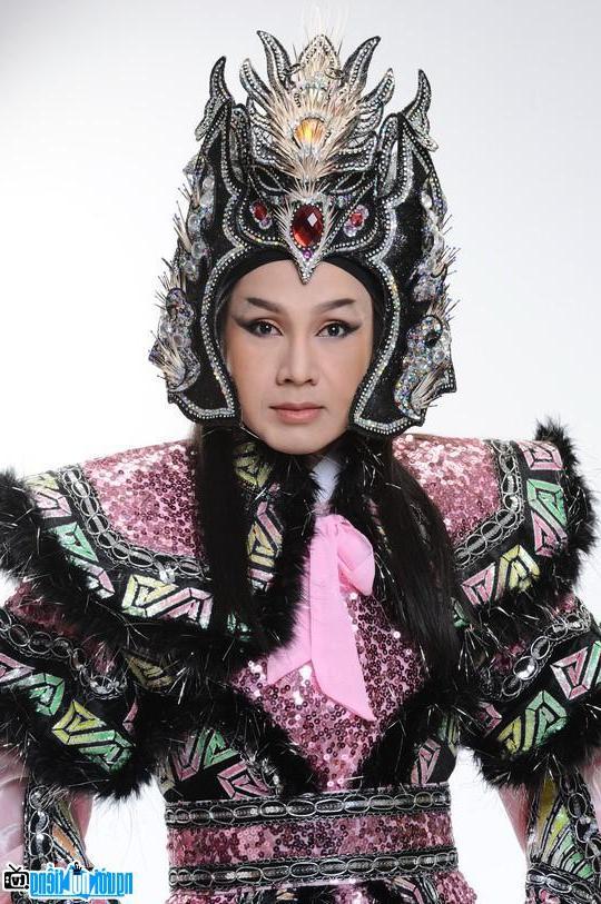 Live show Vũ Luân thắm đượm tình yêu cải lương tại hải ngoại