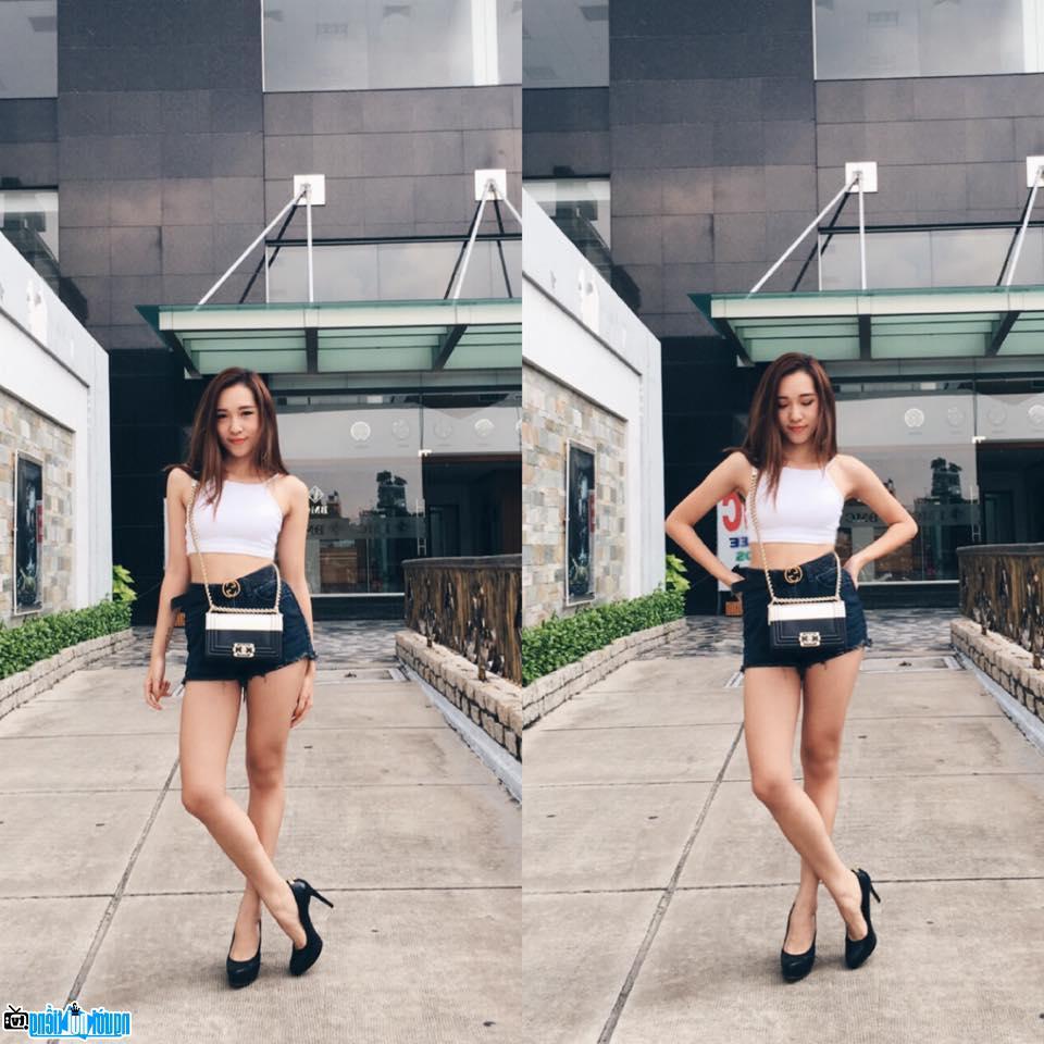 Emily Nguyễn-Hot girl nổi tiếng của Việt Nam