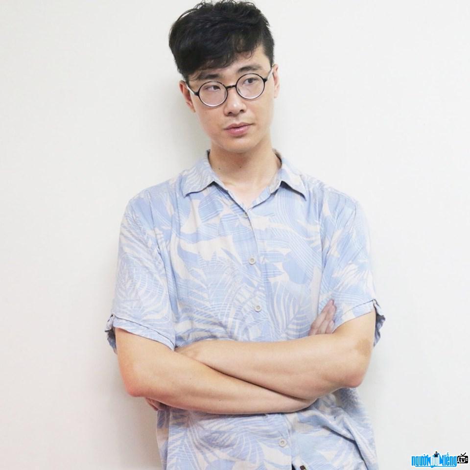 Việt CG điển trai phong độ
