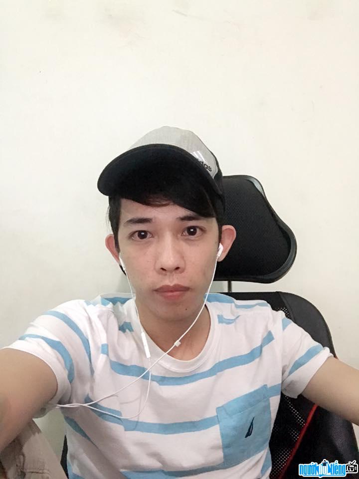 Nam Blue là một Streamer hàng đầu của cộng đồng game Việt Nam