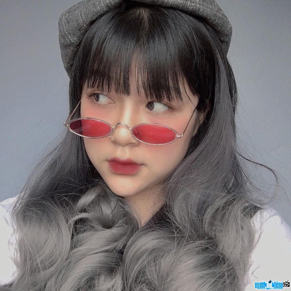 Cận cảnh gương mặt xinh đẹp của Phương Thảo