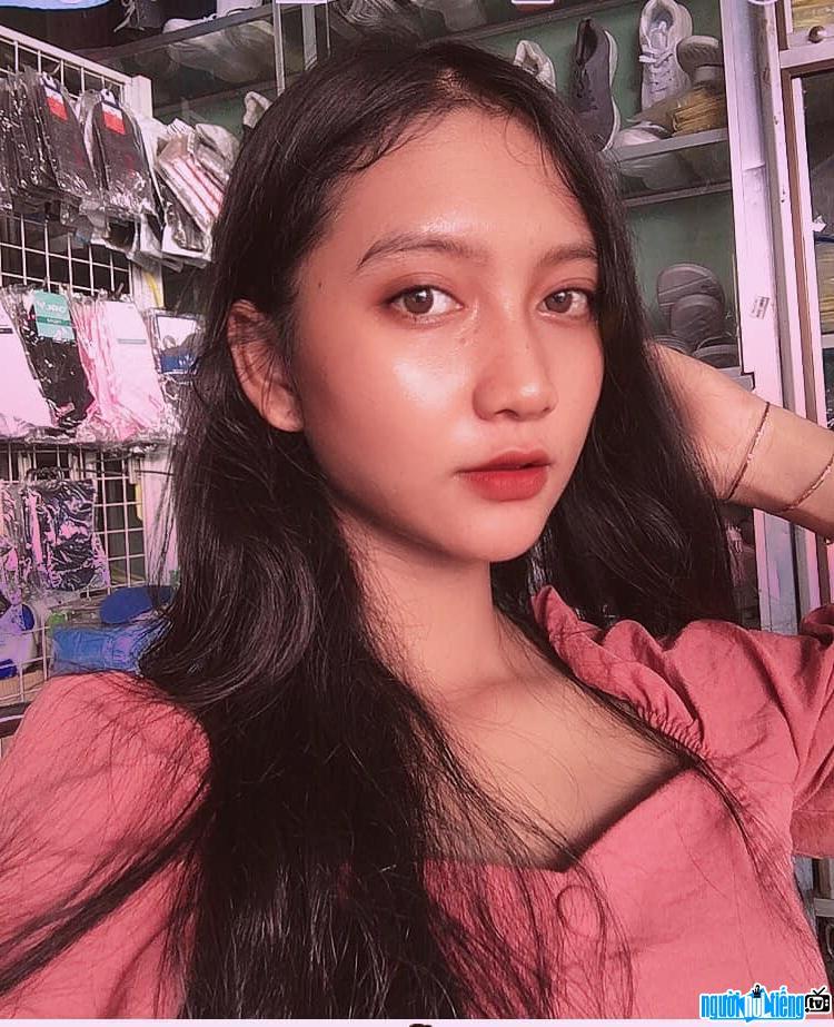 Cận cảnh gương mặt xinh đẹp của Kim Nương