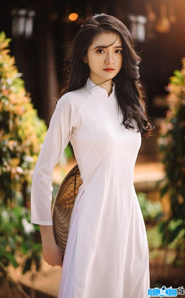 Dương Thảo Nguyên: Hot teen lai Nga-Việt mê đắm lòng người