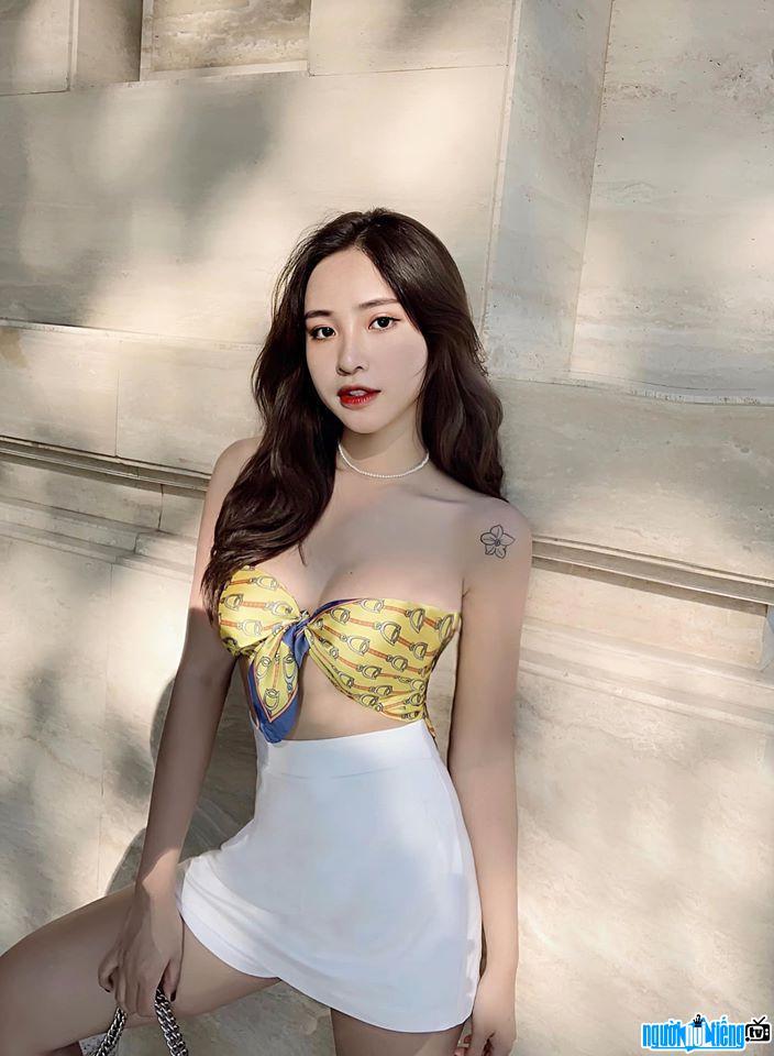 Hình ảnh Vân Anh xinh đẹp nóng bỏng