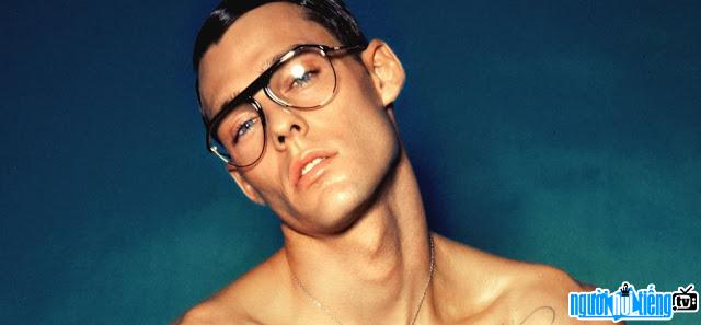 Ảnh của Holden Nowell