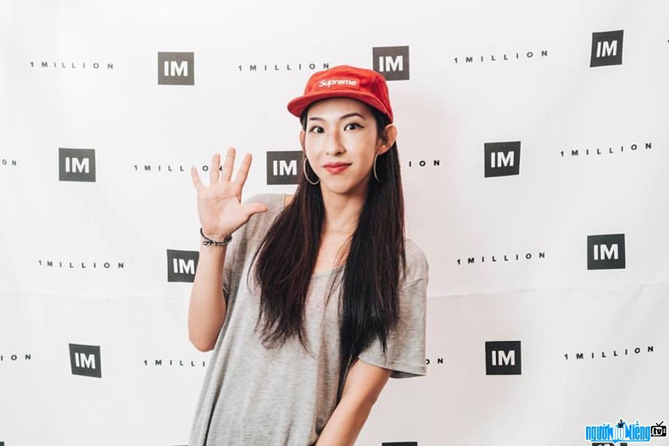 Mina Myoung hiện làm việc tại 1MILLION Dance Studio