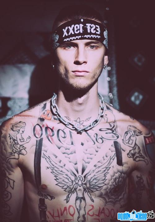 Ảnh Ca sĩ Rapper Machine Gun Kelly 0