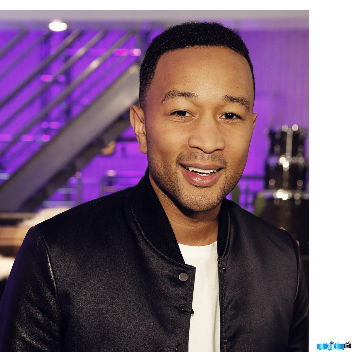 Chân dung Ca sĩ R&B John Legend