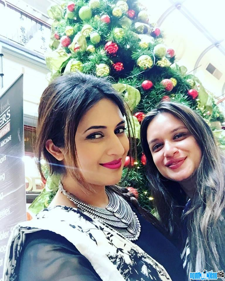 Hình ảnh mới nhất của Divyanka Tripathi và một người bạn