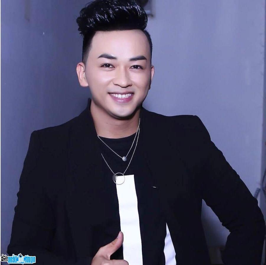 Kết quả hình ảnh cho Lưu Minh Tuấn( Ca sĩ )