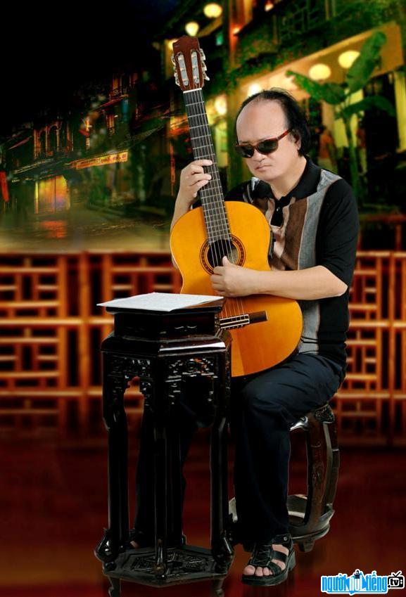 Chân Dung Nghệ Sĩ Đàn Guitar Văn Vượng