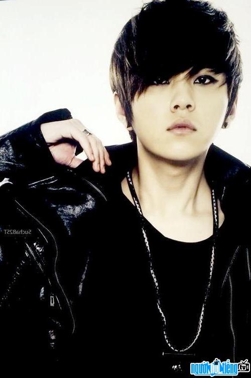 Hình ảnh người mẫu Yong Jun-hyung