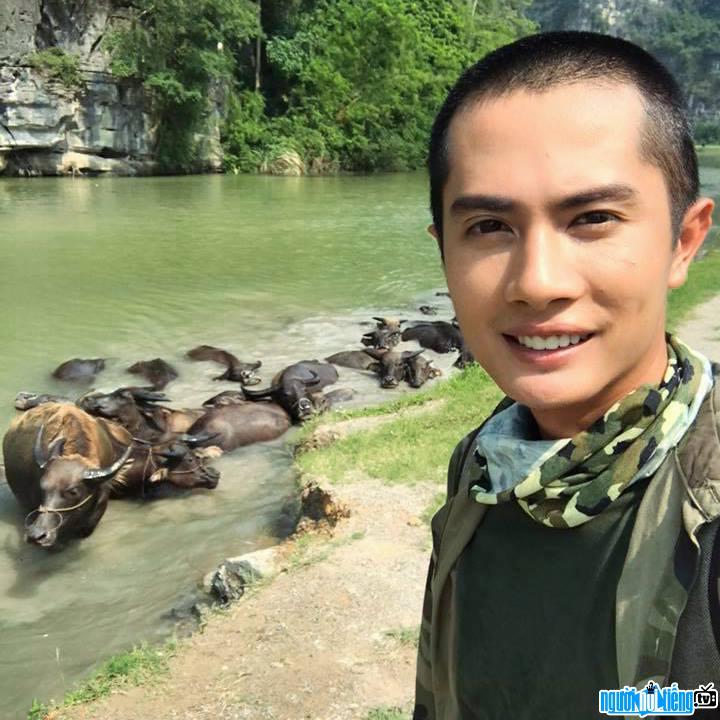 Huỳnh Phương trong chuyến du ngoạn Ninh Bình gần đây