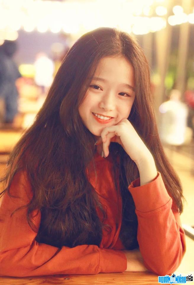 Bức ảnh hot girl Linh Ka với nụ cười đáng yêu