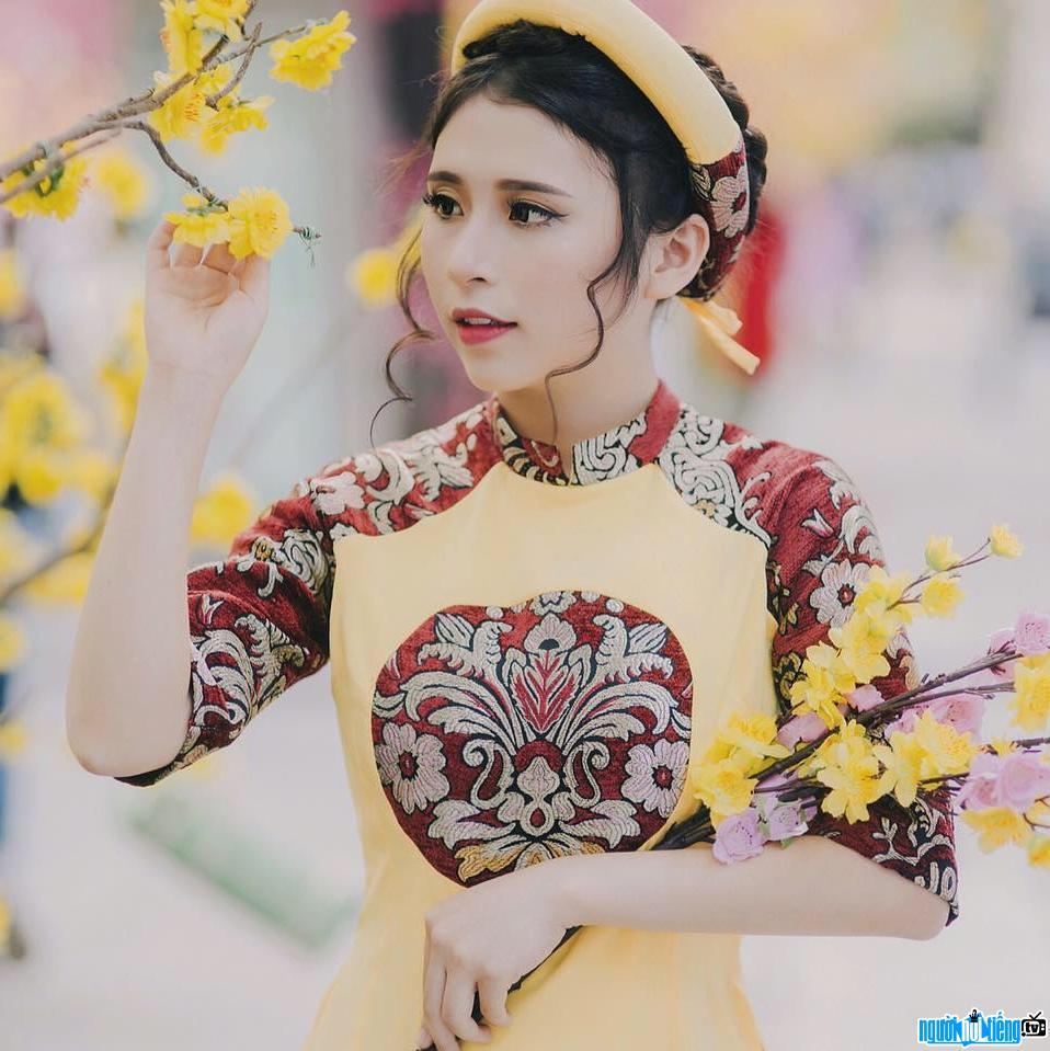 Bức ảnh hot girl Khổng Minh Thanh trong dịp năm mới 2017