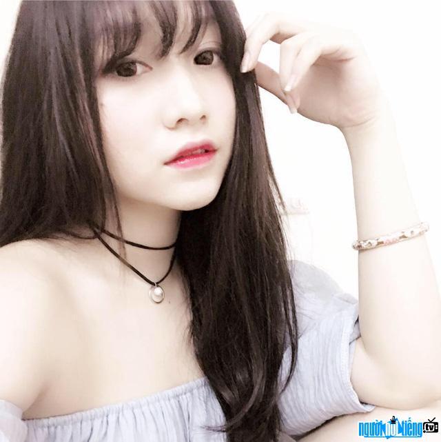 Streamer Hera Kiều Anh gây ấn tượng với vẻ ngoài xinh đẹp