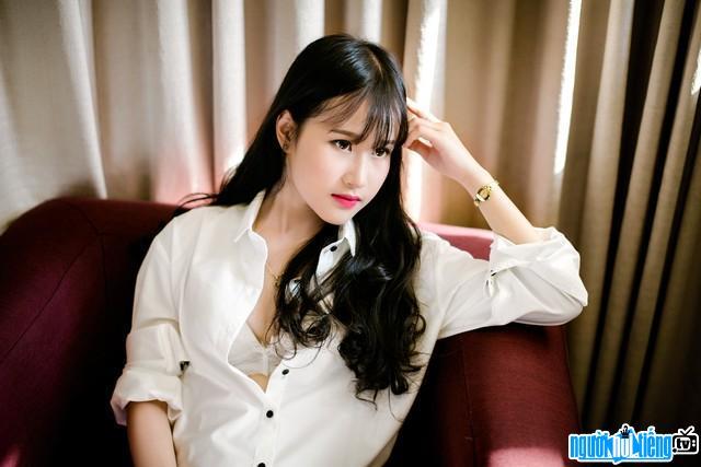 Hình Ảnh Hot Girl Phạm Kim Cúc Khoe Đường Cong Nóng Bỏng