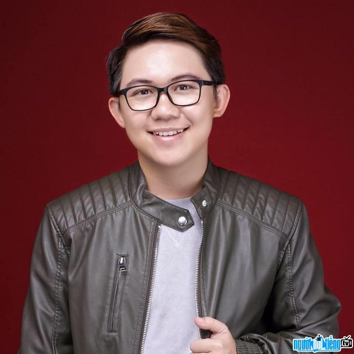 Diễn viên hài Hồng Tú là thành viên nhóm hài DAMtv