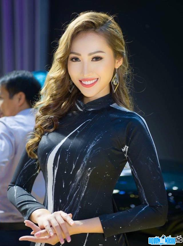 Ảnh chân dung người mẫu Tô Uyên Khánh Ngọc