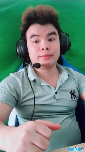 Ảnh Streamer Kéo Rank Tv