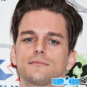 Ảnh Bassist Dallon Weekes