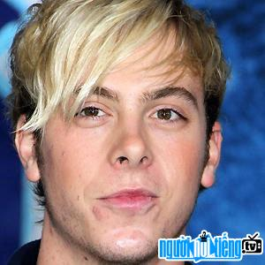 Ảnh Bassist Riker Lynch